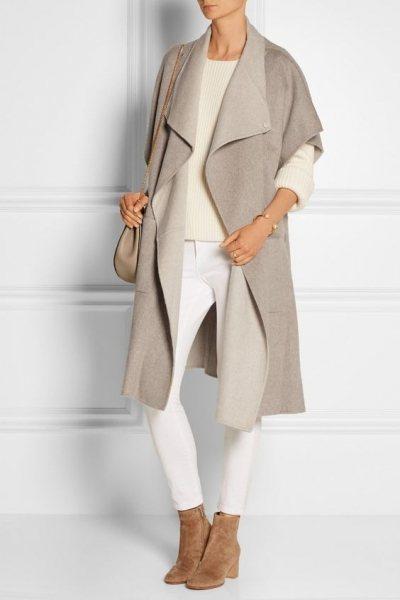 Нежнее нежного: 6 уютных осенних образов с пудровым пальто