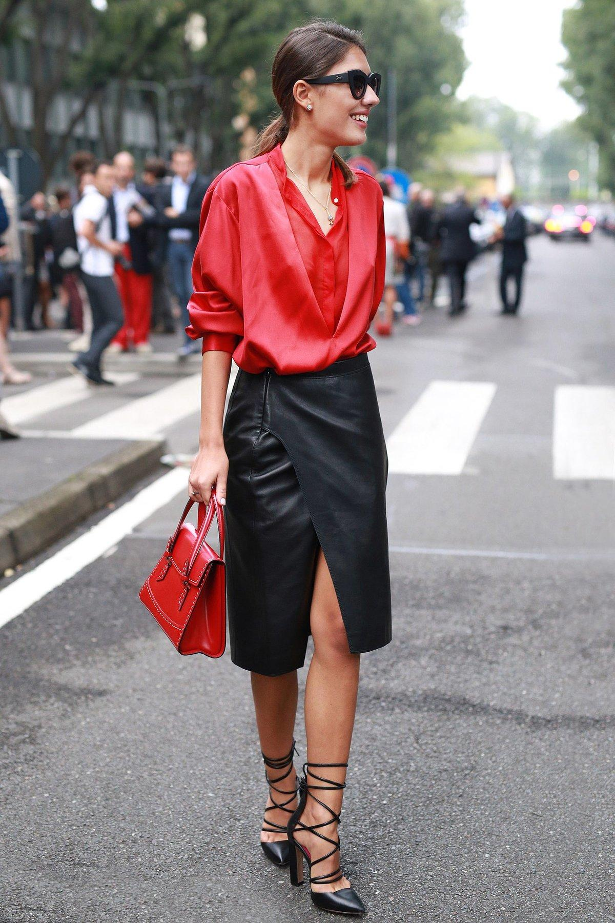 Эти 9 стильных идей докажут вам, что юбка с запахом — главный must-have сезона