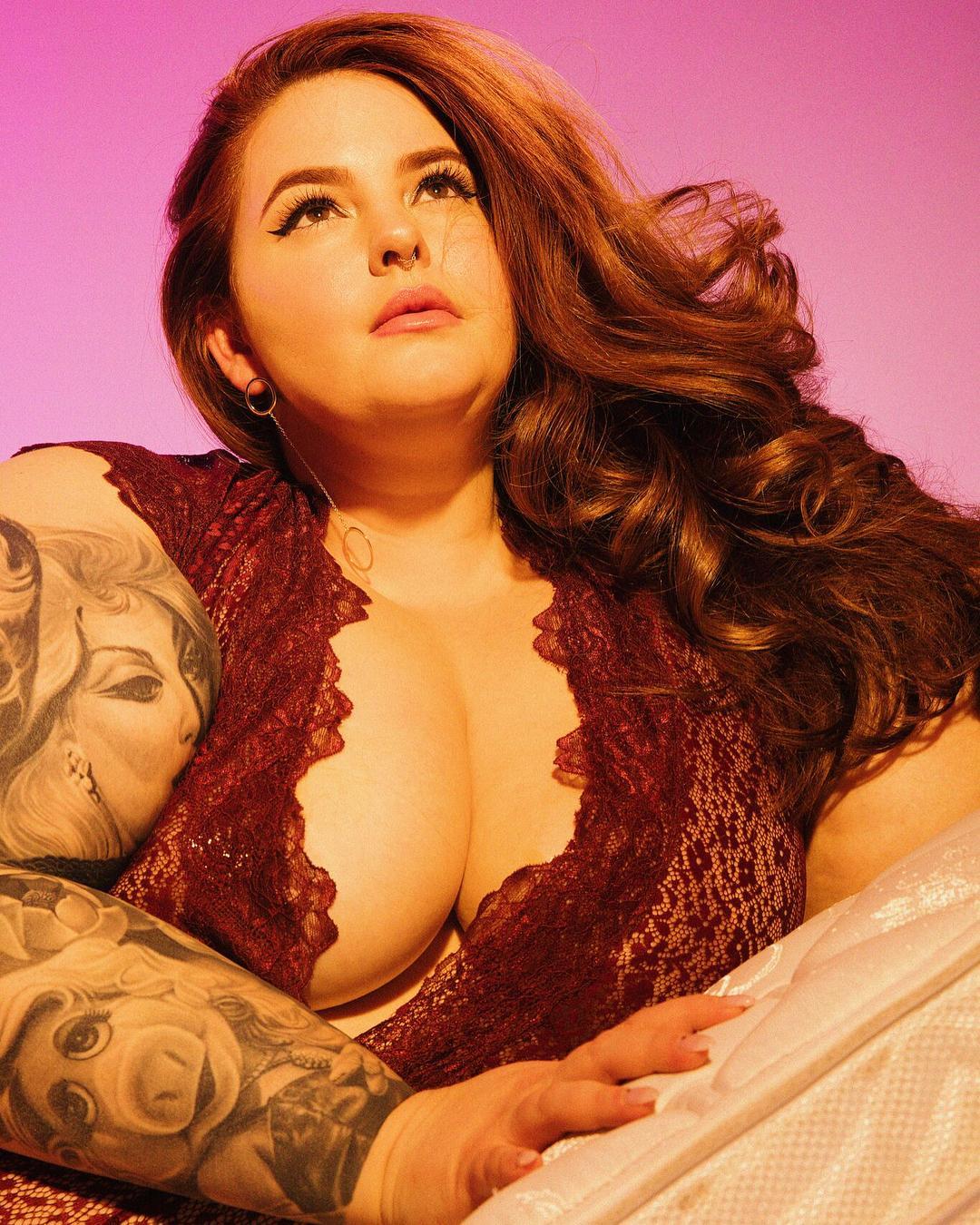 Тесс Холлидей весит 155 кг, но это не мешает ей покорять мир своими формами и стилем