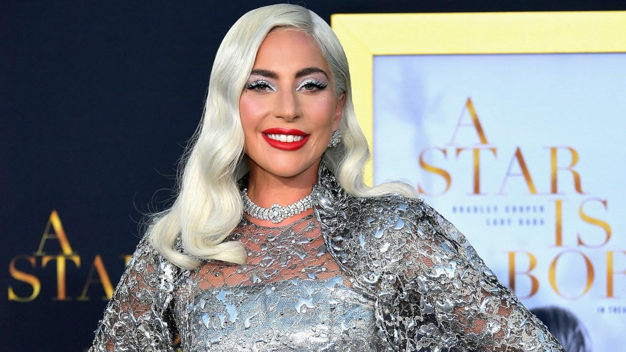 Спорно, но эффектно: Леди Гага снова покорила всех образом Снежной королевы