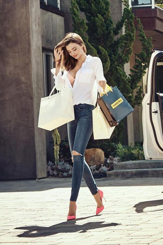 10 базовых вещей, которые должны быть в гардеробе каждой девушки