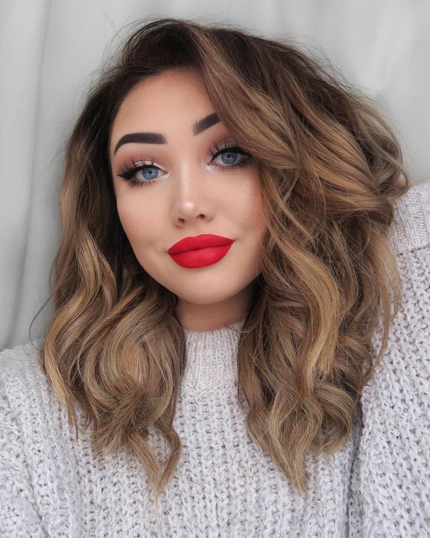 Эта девушка меняет стиль и цвет волос чуть ли не каждую неделю (и ей идет абсолютно все!)