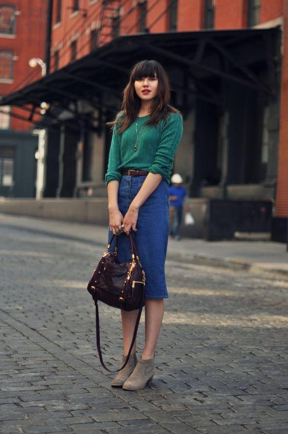 5 идей, как носить джинсовую юбку в холода и выглядеть потрясающе