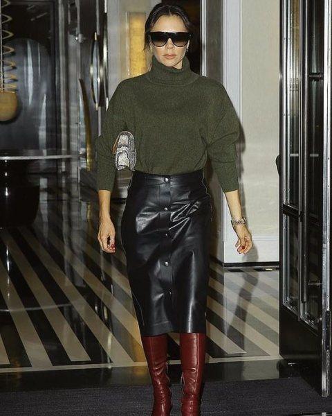 Безупречное сочетание: Виктория Бекхэм вызвала восторг модным образом в Париже (ФОТО)