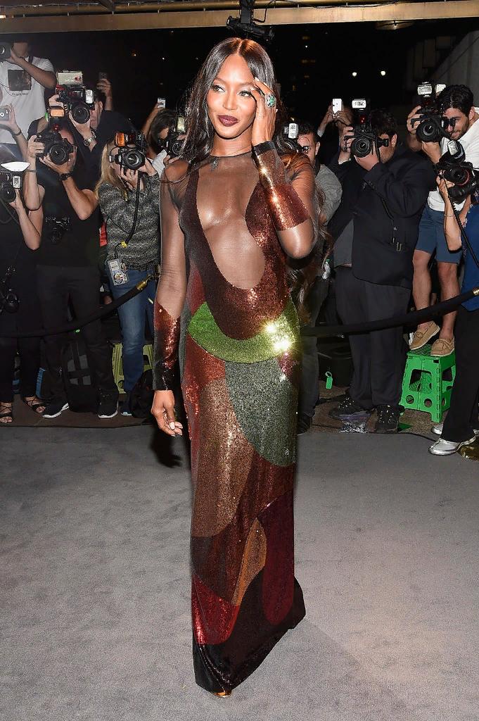 22 звезды, которые надели одинаковые платья, но это не стало их модным провалом